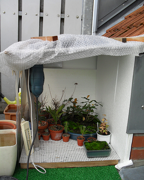 Winterschutzverschlag auf dem Balkon